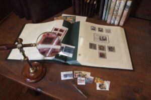 5 álbumes de cuero para sellos con páginas preimpresas (marca Safe) encuadernadas, República Federal de Alemania