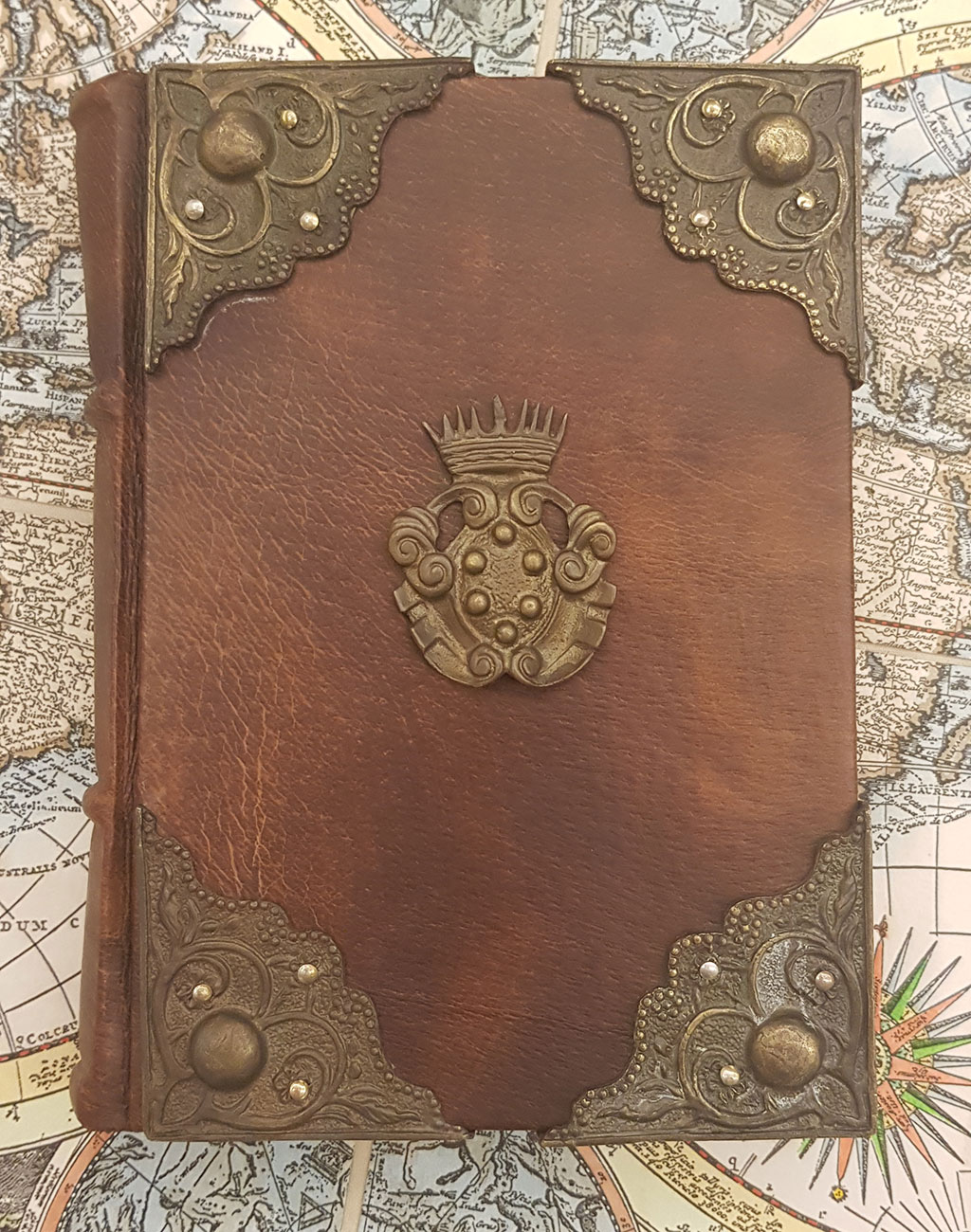 Small Leather Bound Journal With 4 Corners And Medici Coat Of Arms In Brass Signum Firenze