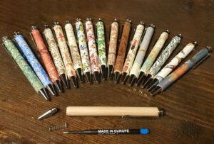 Verzierte Holzkugelschreiber