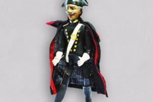 Carabiniere, marionetta composta da cinque pezzi snodati in terracotta, decorati a mano e mantello di tessuto