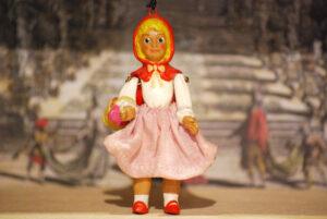 Caperucita roja, marioneta pequeña