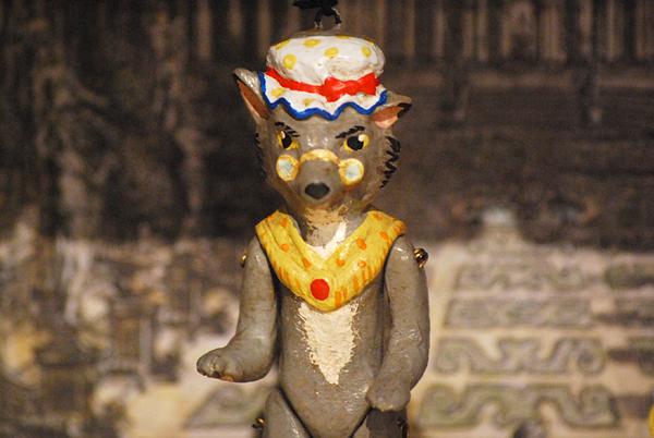 Wolf, Marionette aus 5 gelenkigen Terracottateilen, handbemalt
