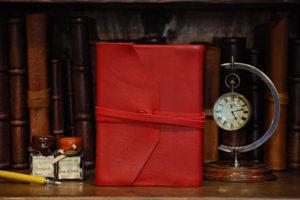 Agenda 2013 tascabile con laccio in pelle morbida rossa