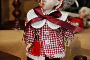 Pinocchio scolaro somaro rosso con occhi di vetro