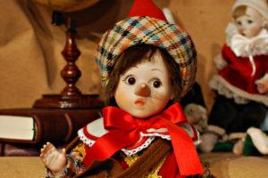 Pinocchio bugiardo rosso e verde
