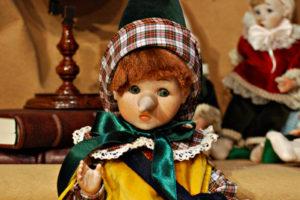 Pinocchio bugiardo giallo e verde