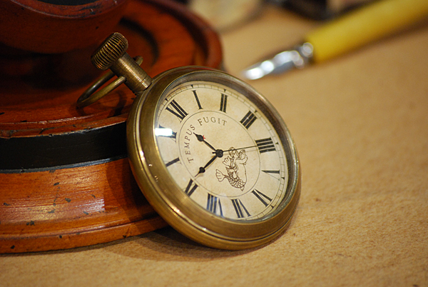 """Reloj con soporte y cúpula """"Victorian"""""""