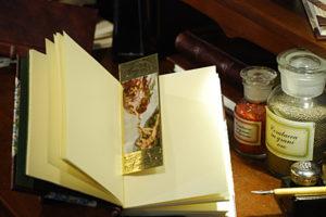 Segnalibro raffigurante la 'Creazione di Adamo' con cornice in oro a caldo