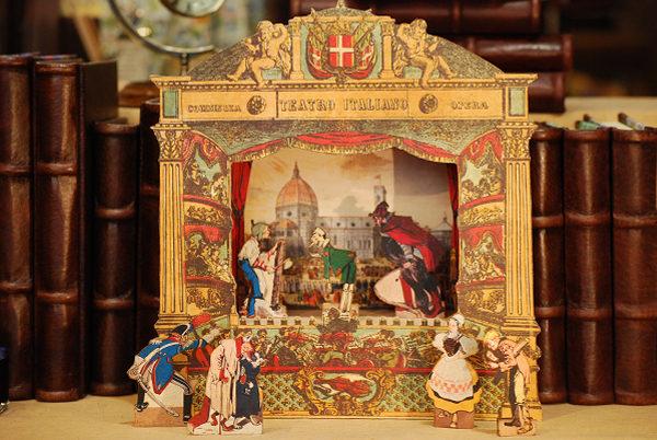 Sette sagome traforate a mano della favola 'Le avventure di Pinocchio'