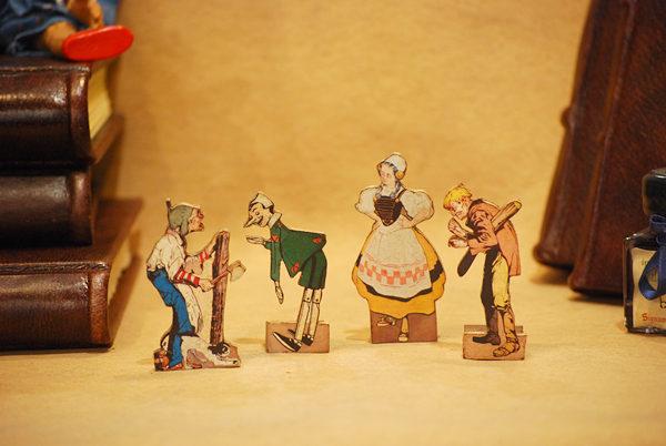 Geppetto, Pinocchio, la Fatina e Mastro Ciliegia, piccole sagome traforate a mano