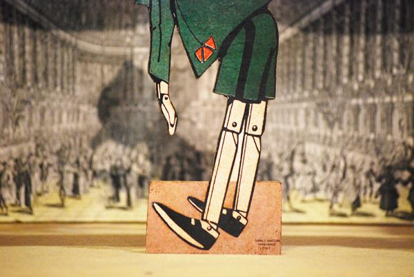 Pinocchio inchino, sagoma traforata a mano della serie 'Le avventure di Pinocchio'